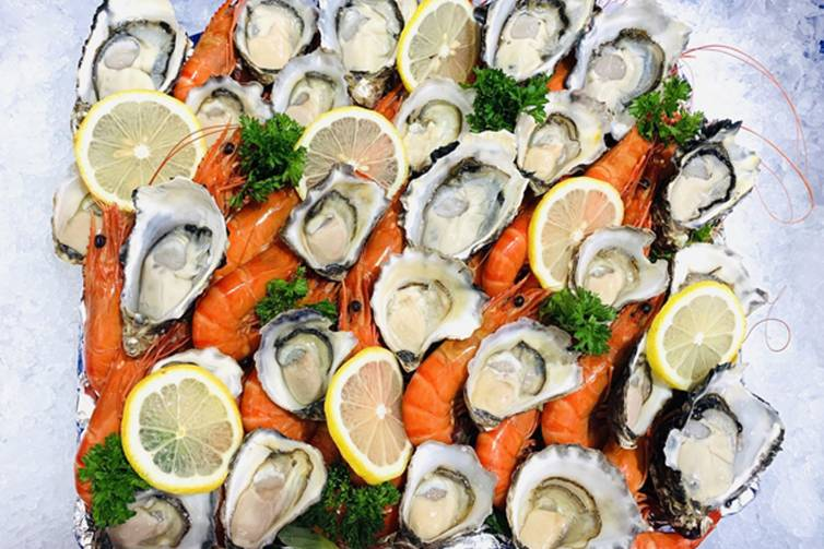 Prawns & oysters platter
